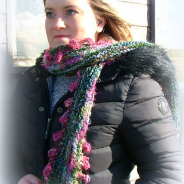 Strawberry Tide – Scarf